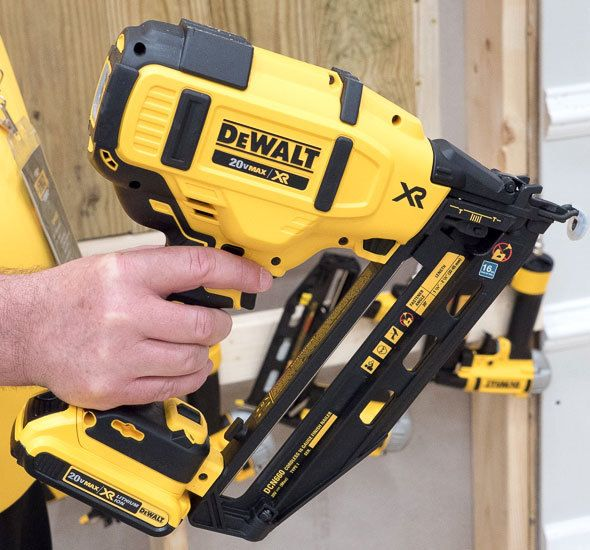 How framing nailer works